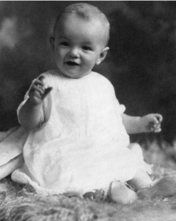 Marilyn Monroe bébé Norma Jeane Baker