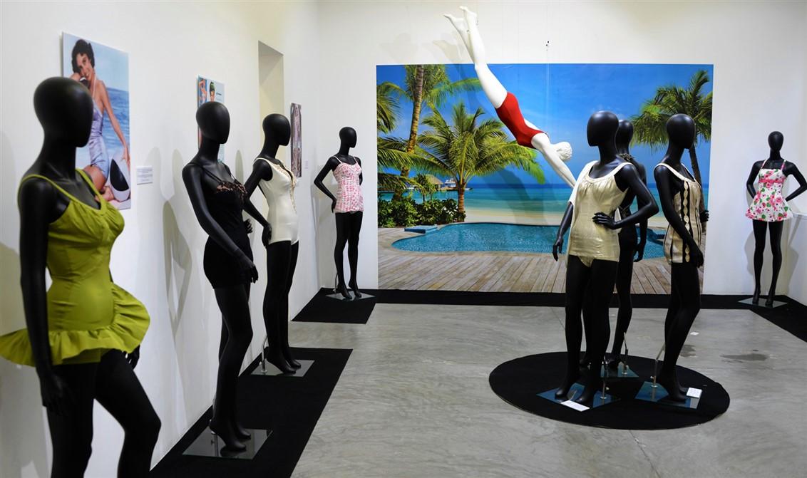 22 Exposition Pin-Up-Swimwear-maillots de bain-Paris