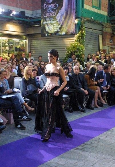 Karine Ferry jupon dentelle corset coutil rose 1890