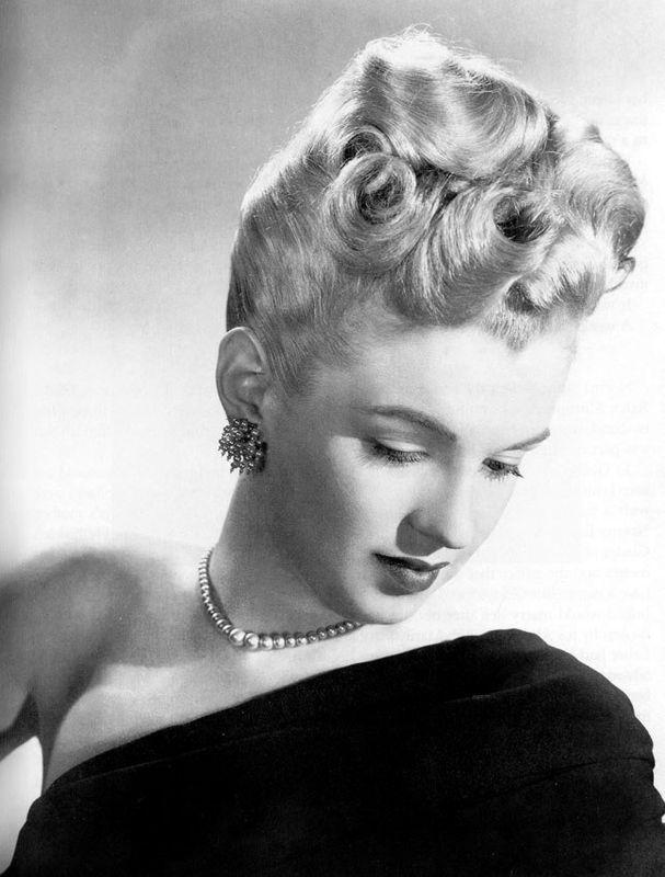 Marilyn Blonde 1945