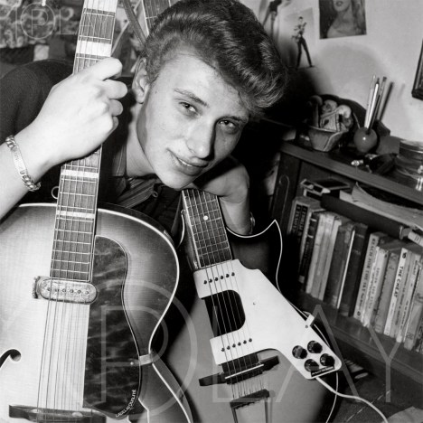 1960 Johnny Hallyday-Display-productions.com-Guitares-at-home