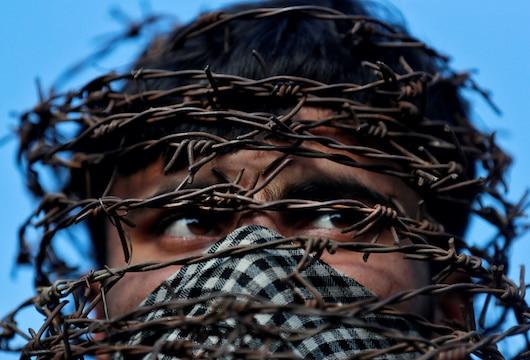 Internet restrictions hampering coronavirus fight in Kashmir, India