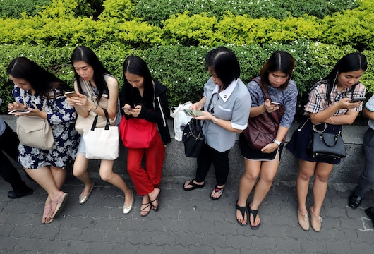 Thailand will give the public free mobile data amid coronavirus outbreak