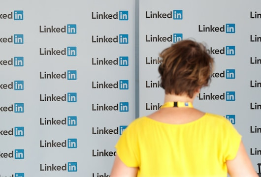LinkedIn sued by iPhone user for reading and diverting Clipboard content