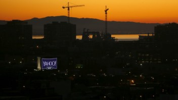 Yahoo must face lawsuit brought by data breach victims