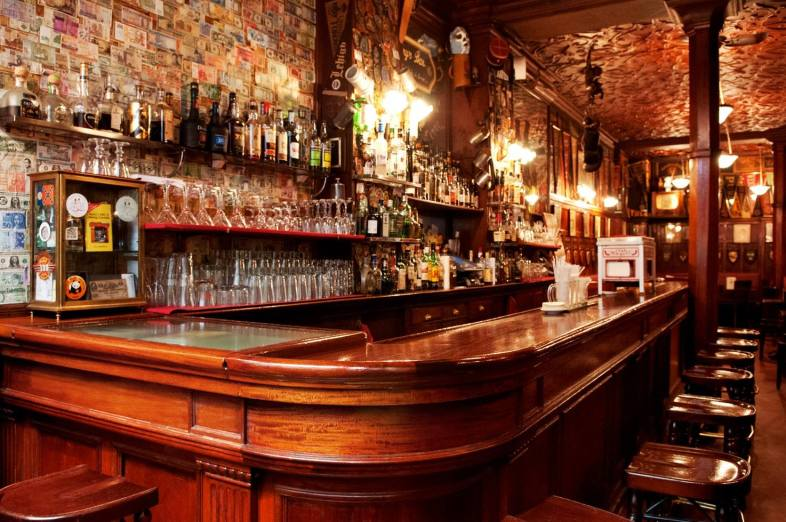 harry's new york bar | distantlocals.com