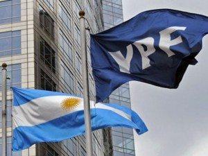 """""""Expropiación"""" de YPF: disociación entre discurso y acto. Una crítica desde Argentina."""