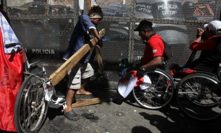 Gobierno y personas con discapacidad se enfrentan en una Bolivia polarizada