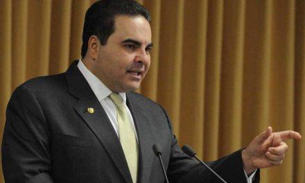 ¿Por qué la Fiscalía salvadoreña detuvo al expresidente Antonio Saca?