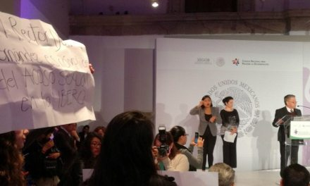 Protestan contra rector de la Ibero por violencia sexual en la universidad