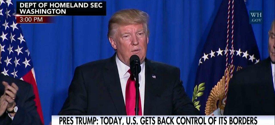 ¿Qué dice la orden ejecutiva firmada por Donald Trump para construir el muro?