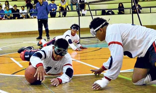 Goalball, el futbol para ciegos que está cobrando fuerza en Ecuador