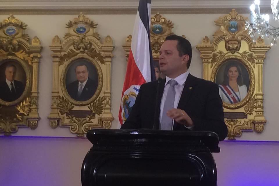 Costa Rica: eligen a pastor evangélico que estuvo en la cárcel como presidente del Congreso