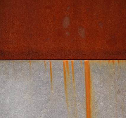 inital surface weathering flash rust of bare weathering steel typically leads to heavy rust staining on nearby surfaces especially concrete