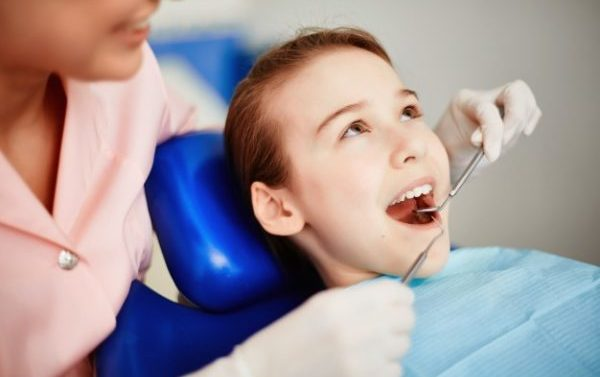 Clínica dental Alcalá de Henares explica cuándo llevar a los niños al dentista