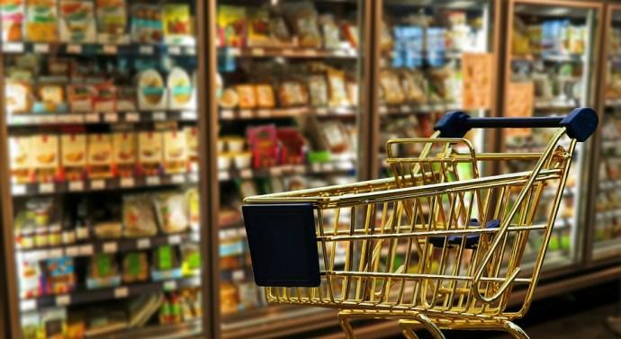 El supermercado, espacio preferido por los españoles que resta ventas a quioscos y tiendas de conveniencia