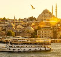 Por qué no es una buena idea hacerse un injerto capilar en Turquía