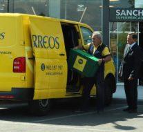 Correos comienza a repartir alimentos en Madrid