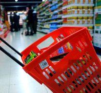 La cesta de la compra de los españoles, cada vez más pequeña