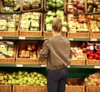 Los supermercados nos echan la culpa del desperdicio de alimentos frescos