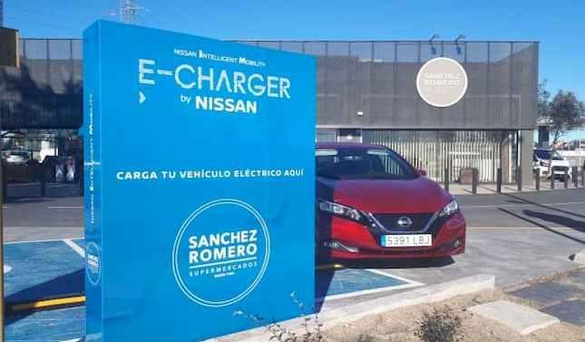 Sanchez Romero y Nissan ponen en funcionamiento nuevos puntos de recarga para vehículos eléctricos