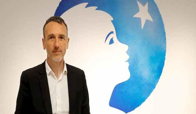 El CEO de Danone se reduce el sueldo un 30%