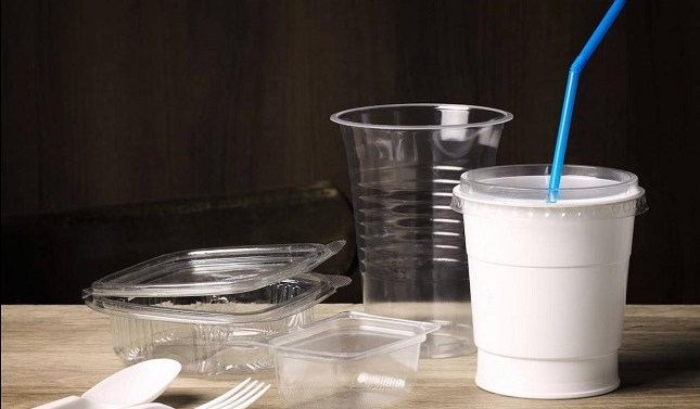 España prohibirá los envases de un sólo uso desde 2021