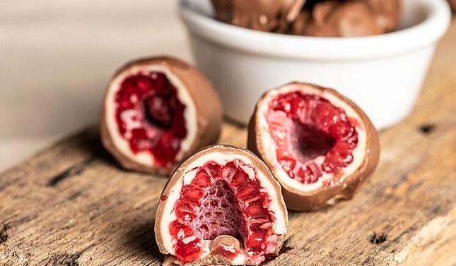 Las frambuesas bañadas en chocolate de Franuí llegan a España