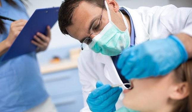 La mitad de los españoles no fue al dentista en 2020
