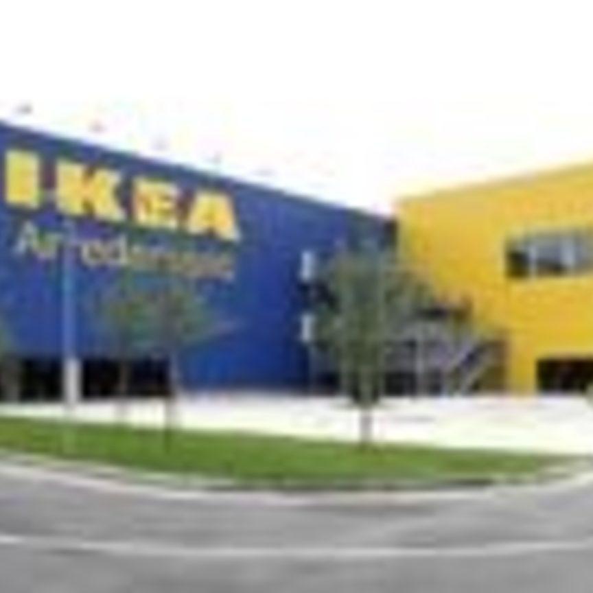 Tripletta Di Ikea A Milano Distribuzione Moderna