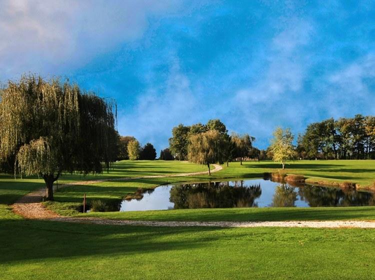 Golf de la sorelle, Distrilux, caviar et golf, animation caviar compétition golf, trophée golf école de commerce entreprise