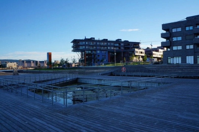 New Luxury Area in Oslo looks like a Landfill - Out of Money situation!?