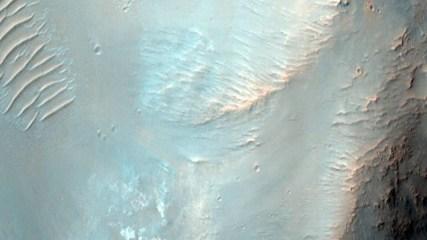 Crater Hellas Planitia