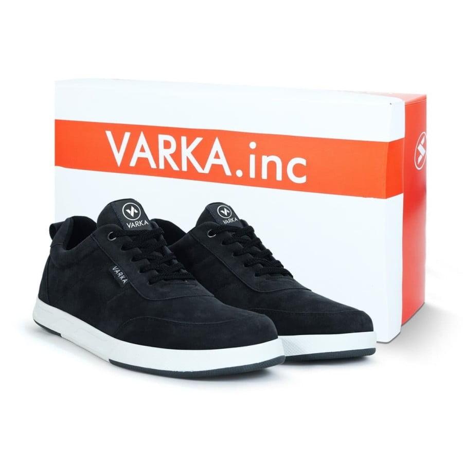 Sepatu Sneaker Pria Terbaru V 4031 Brand Varka Hitam