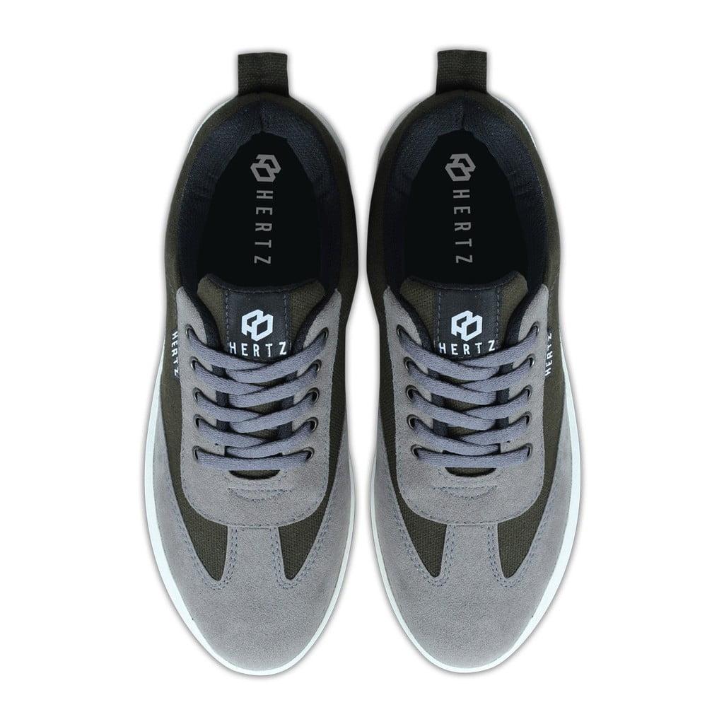 Sepatu Sneakers Olah Raga Pria H 3247