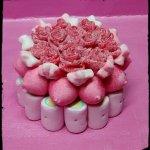Tarta chuches rosas rojas