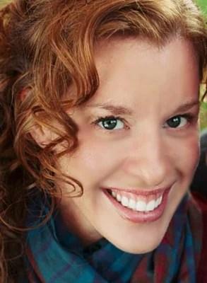 Tara Martin Headshot