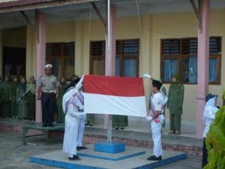 Kasi SIM AKP H. HAMIDI menjadi Irup di SMP N 3 Banda Aceh