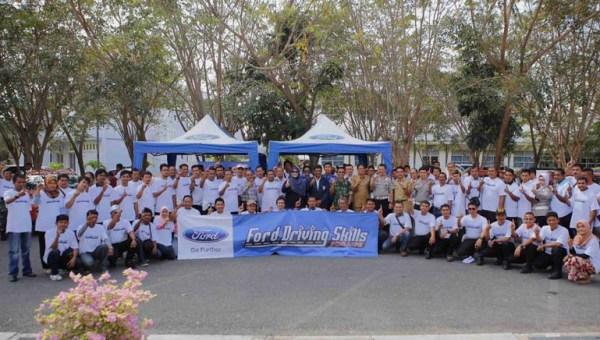 Para Peserta Ford DSFL Aceh Berfoto Bersama