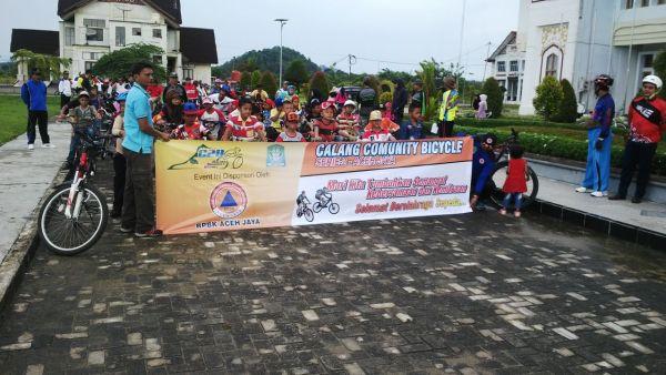 160501_acehjaya_sepeda-santai-hari-pendidikan_2