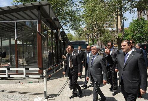 Armenia -- President Serge Sarkissian visits Mashtots park, Yerevan, 01May2012