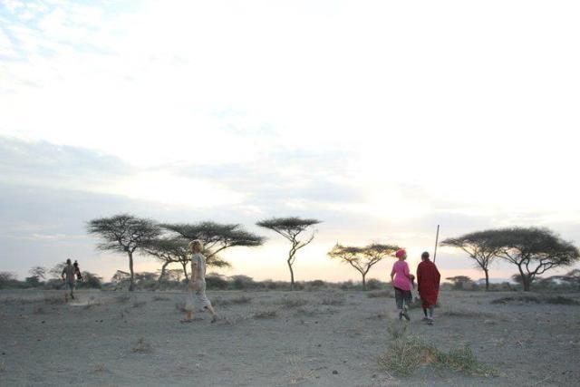 Meg og masaikrigeren Kaika i masailand like under foten av Kilimanjaro