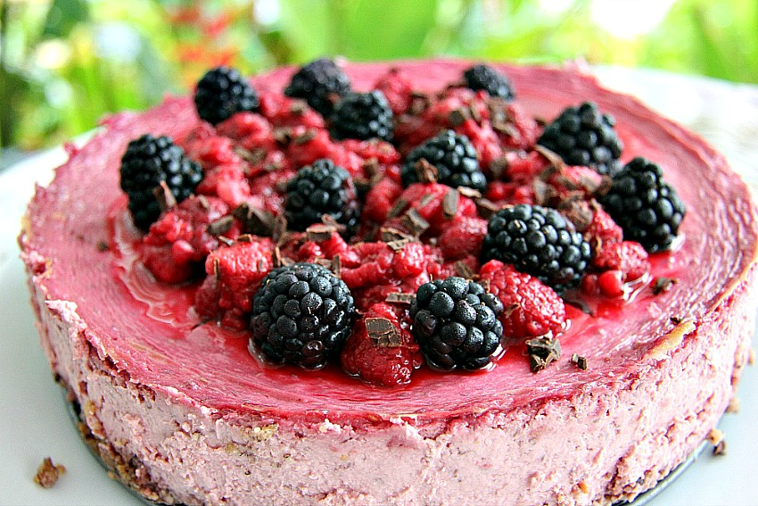 Raspberry Cheesecake with Hazelnut Crust
