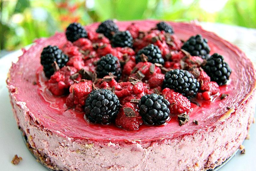 Raspberry Cheesecake with Hazelnut Crust