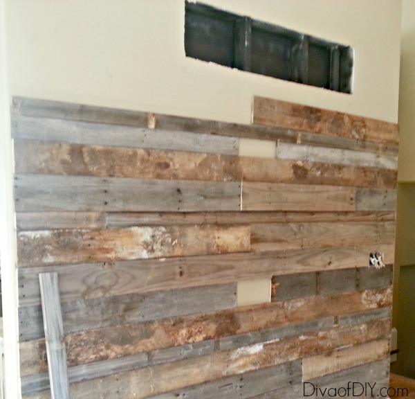 free pallet feature wall