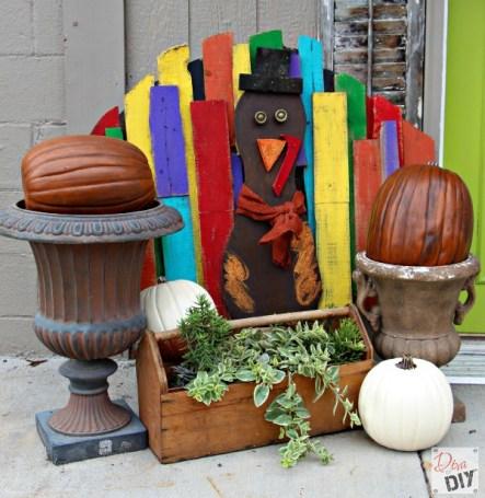 Colorful pallet turkey