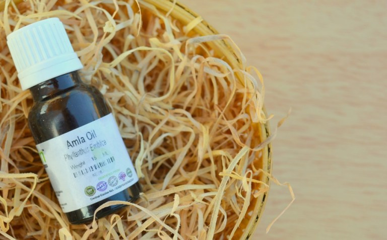 DIY hair oil recipe, home remedies to prevent hair fall,  eseential oils,  natural remedies for hair loss, benefits of amla, divassence, Indian beauty blog,