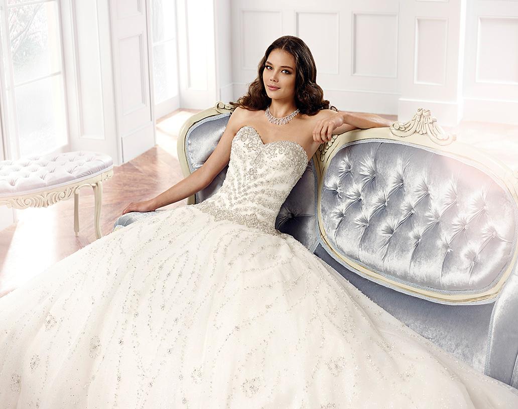 Esküvői, menyasszonyi ruhák bérlése, forgalmazása
