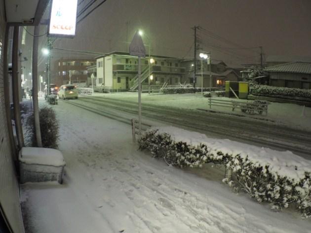 雪がすごいですよ。