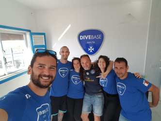 DiveBase Instructors and Course Director